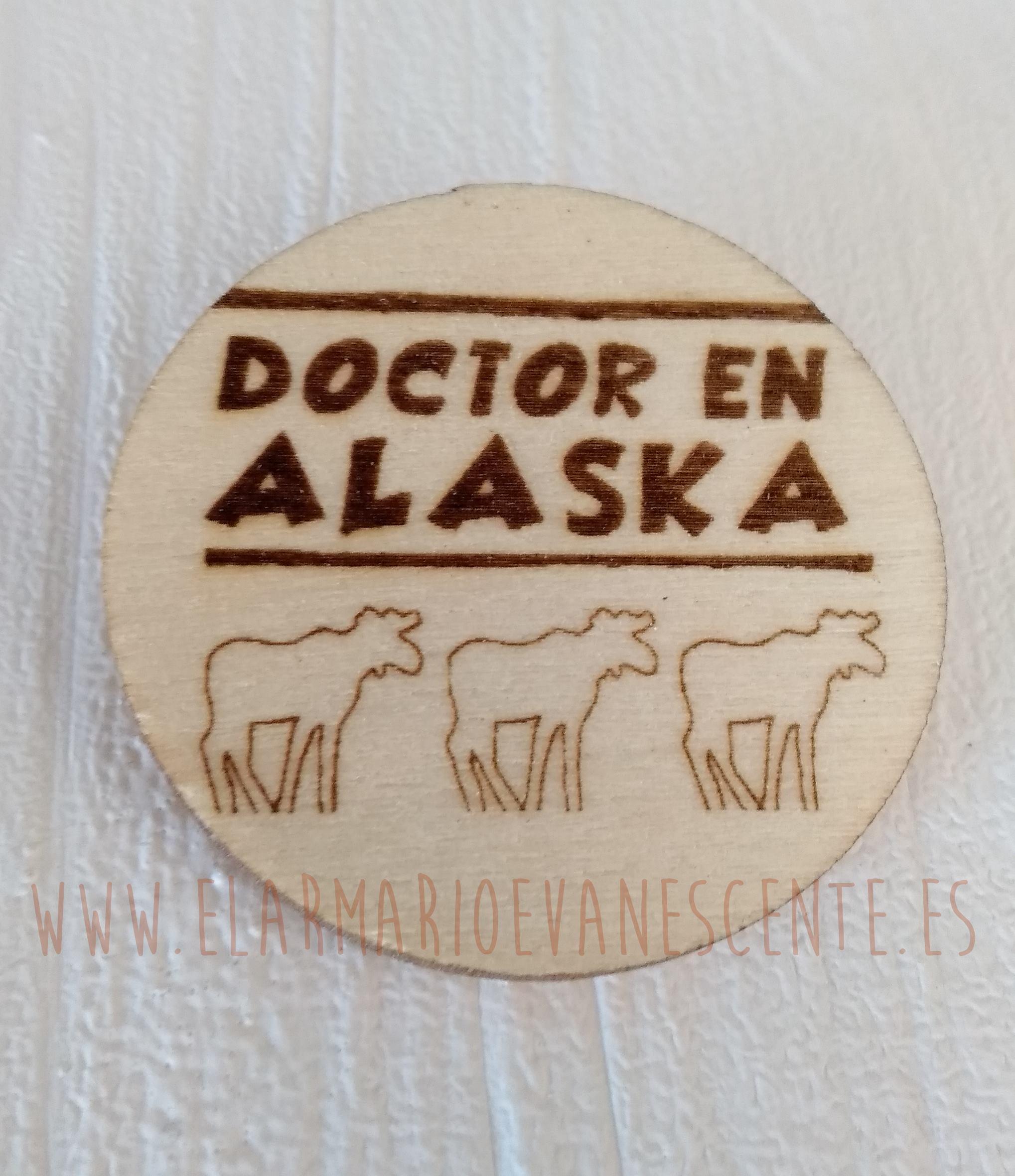 Broche Doctor en Alaska renos blancos grande
